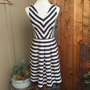 Banana Republic Sleeveless Sundress